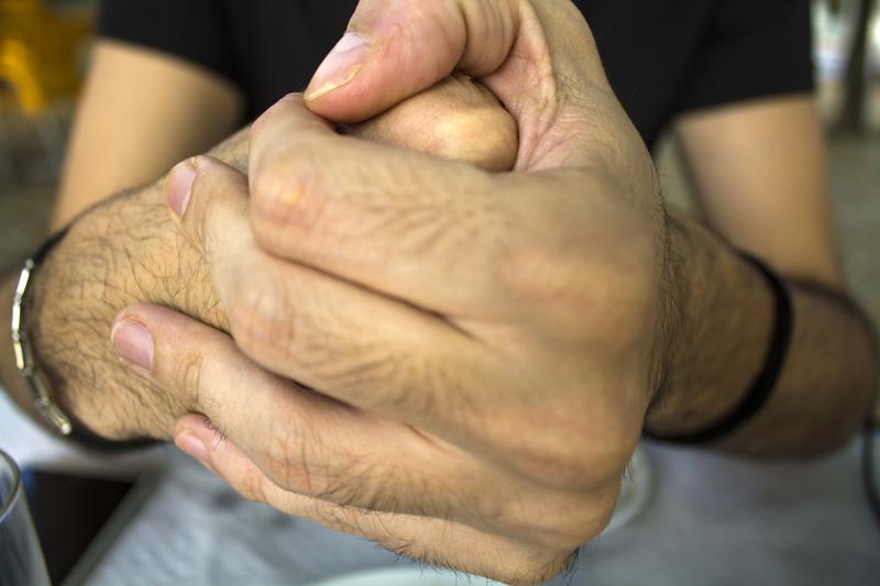 vingers knakken schadelijk