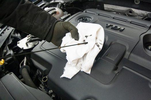 Besparen op de kosten van de autogarage? Probeer zelf kapotte onderdelen te vervangen