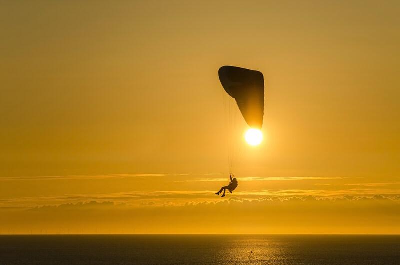 beste plekken om te parachutespringen in Nederland