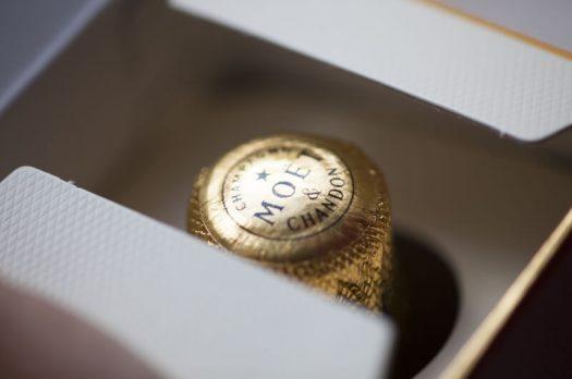 Verras je personeel en relaties deze feestdagen met een goede fles champagne!