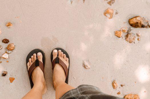 Zorg voor je voeten met slippers op maat