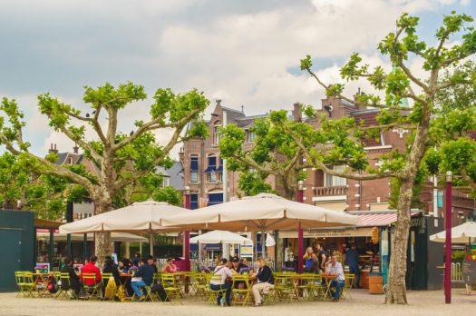 Een pauze nemen tijdens je stedentrip Amsterdam. Waar kun je dan het beste naartoe?