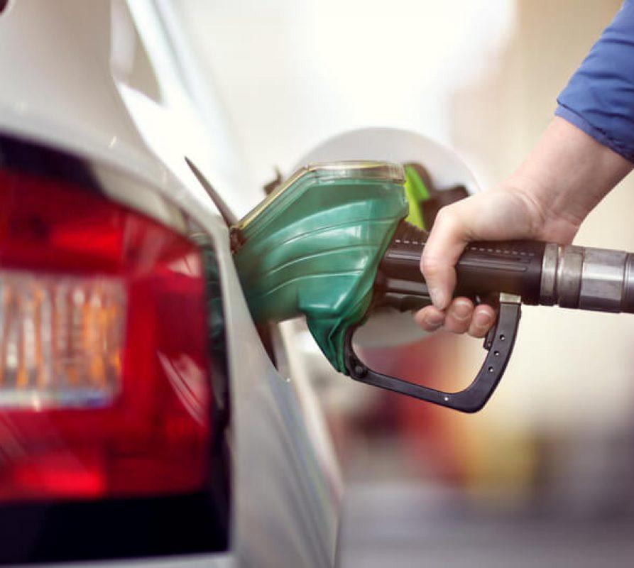 Wat zijn de gevolgen als je de verkeerde brandstof in je benzinetank gooit?